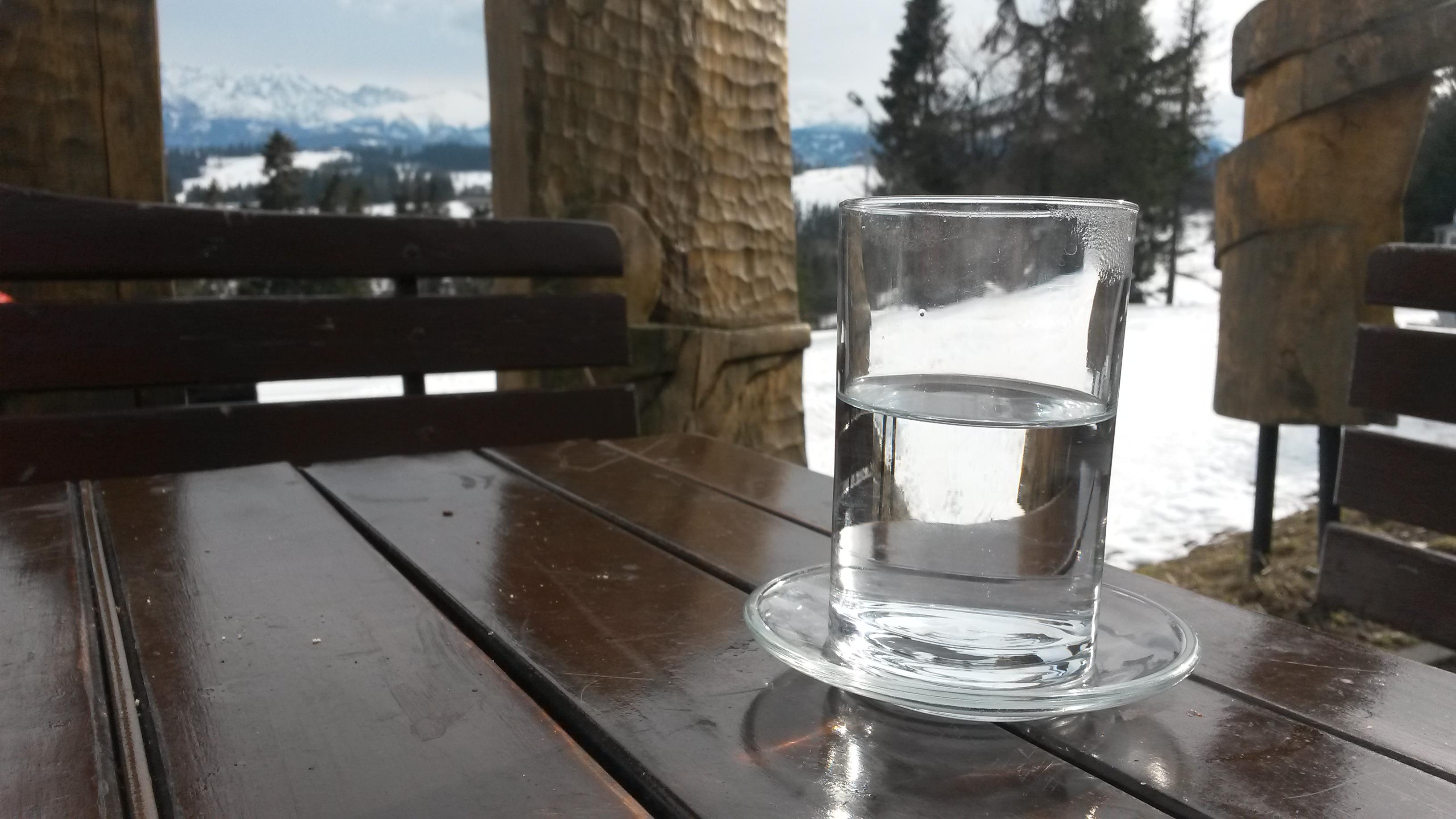 2016 03 15 I ta szklanka z woda